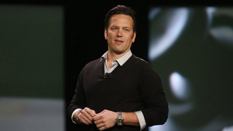 Phil Spencer no apoya la idea de lanzar una versión mejorada de Xbox One